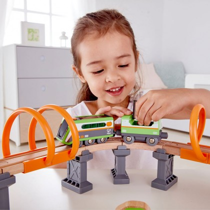 Hape E3762 Solar Power Circuit Railway Playset