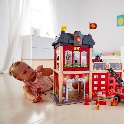 Hape E3023 City Fire Station