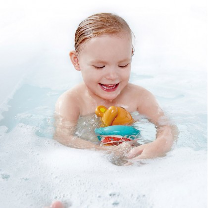 Hape E0204 Swimmer Teddy Wind-Up Bath Toy